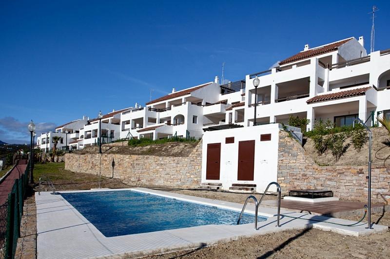 Bahia de Casares Golf Apartments Swimming Pool